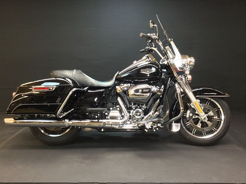Photo of a 2017 Harley-Davidson® FLHP Road King® Police