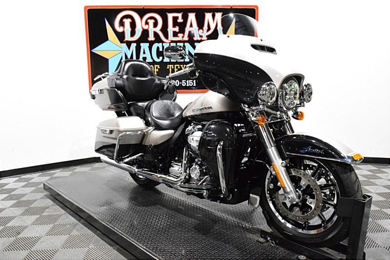 Photo of a 2018 Harley-Davidson® FLHTKL Electra Glide® Ultra® Limited Low