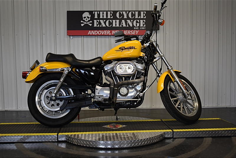 Photo of a 2001 Harley-Davidson® XL883C Sportster® 883 Custom