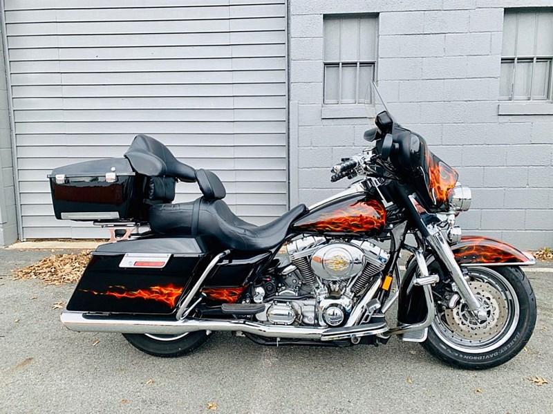 2005 Harley Davidson® FLHT/I Electra Glide® Standard Two ...
