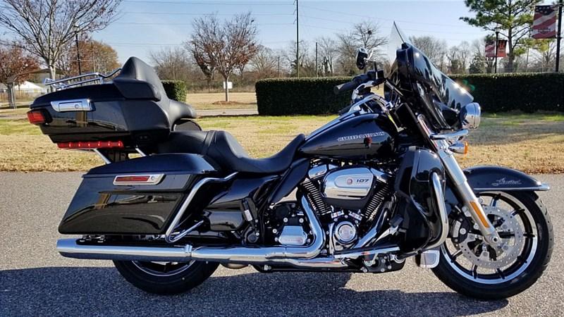 Photo of a 2017 Harley-Davidson® FLHTK Electra Glide® Ultra® Limited
