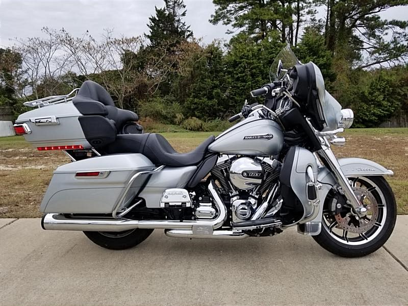 Photo of a 2016 Harley-Davidson® FLHTCUL Electra Glide® Ultra Classic® Low