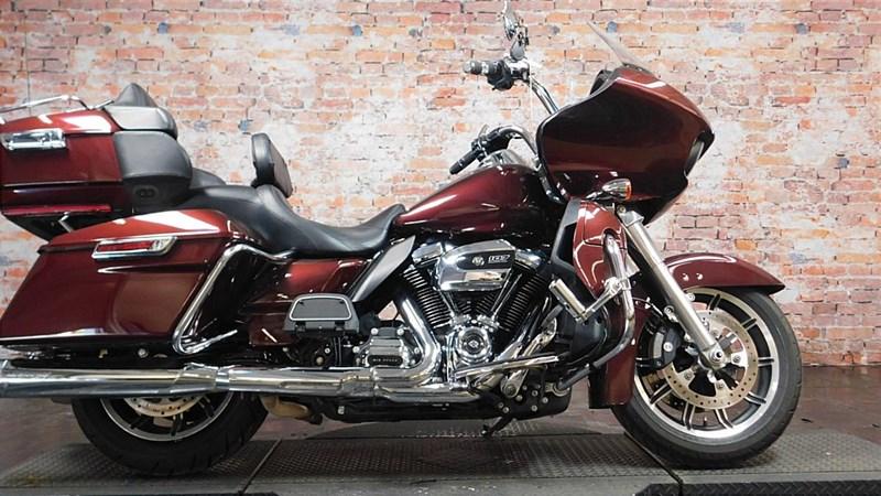 Photo of a 2018 Harley-Davidson® FLTRU Road Glide® Ultra