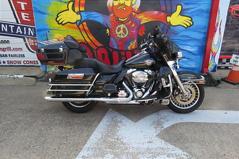 Photo of a 2010 Harley-Davidson® FLHTK Electra Glide® Ultra Limited