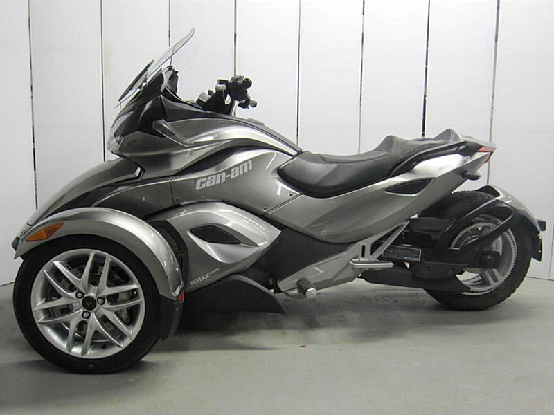 Photo of a 2013 Can-Am  Spyder® ST SM5