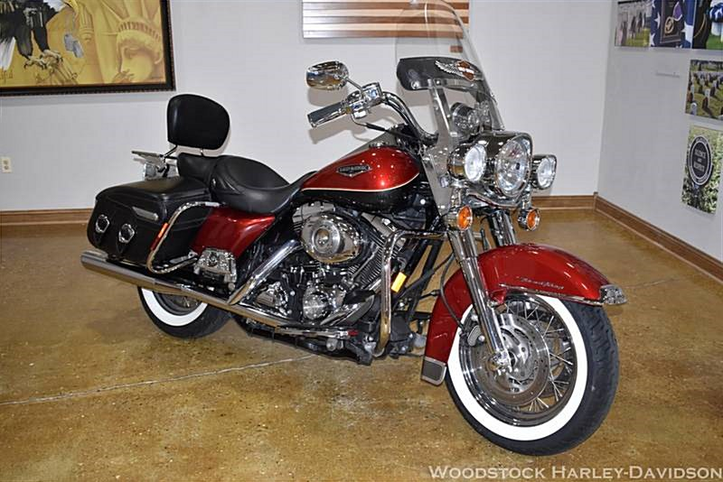 Photo of a 2007 Harley-Davidson® FLHRC Road King® Classic