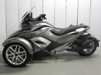 Used 2013 Can-Am Spyder® ST SM5