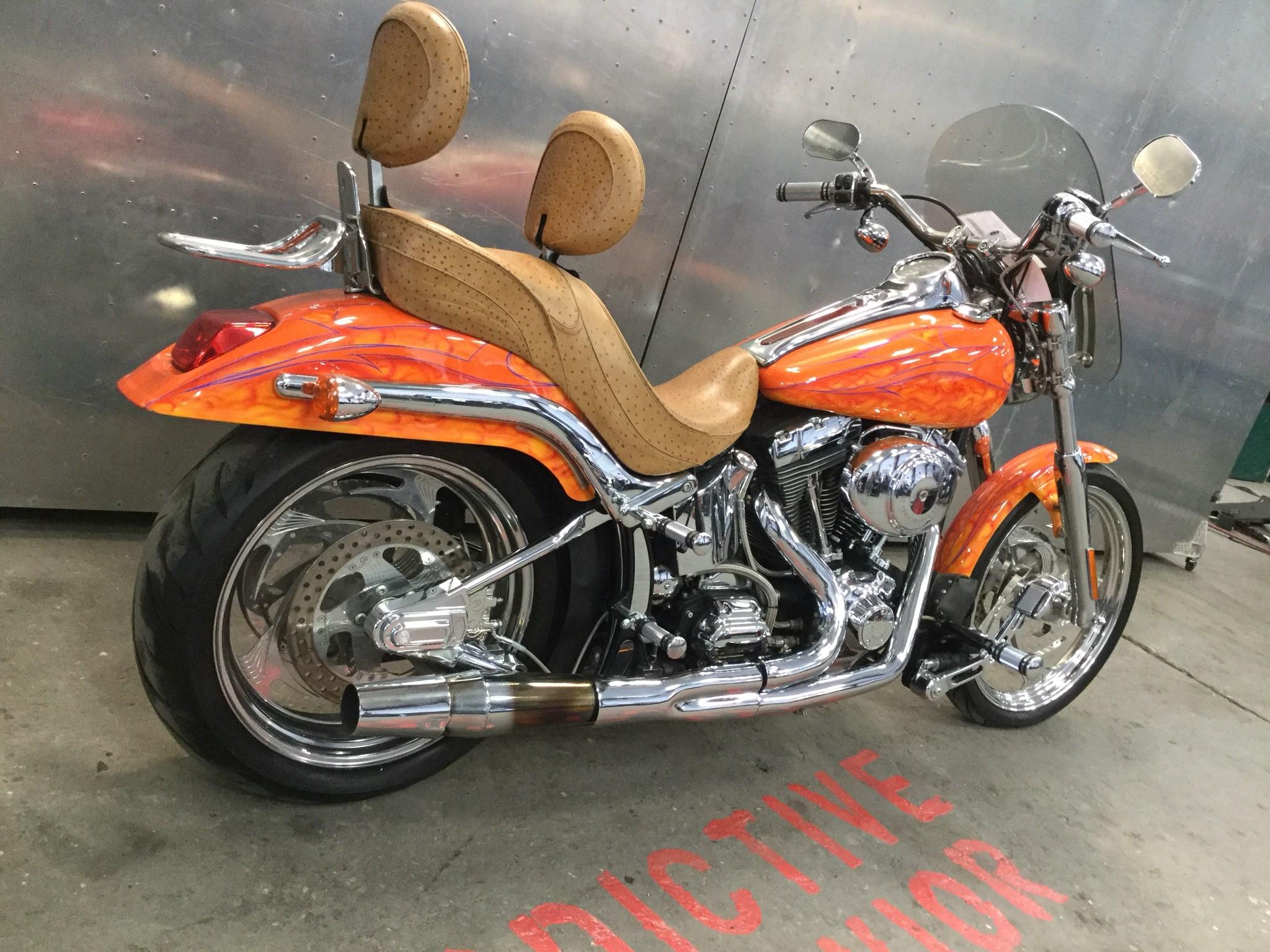2001 Harley I Softail U00ae Deuce U2122  Orange
