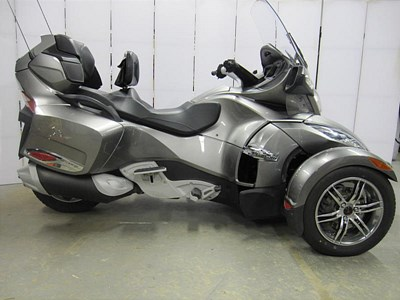 Used 2011 Can-Am Spyder® RT-S SE5