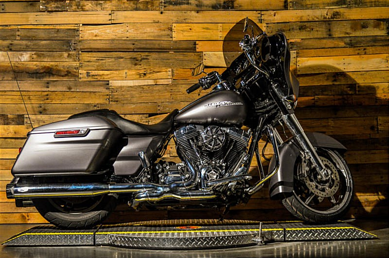 Photo of a 2016 Harley-Davidson® FLHXS Street Glide® Special