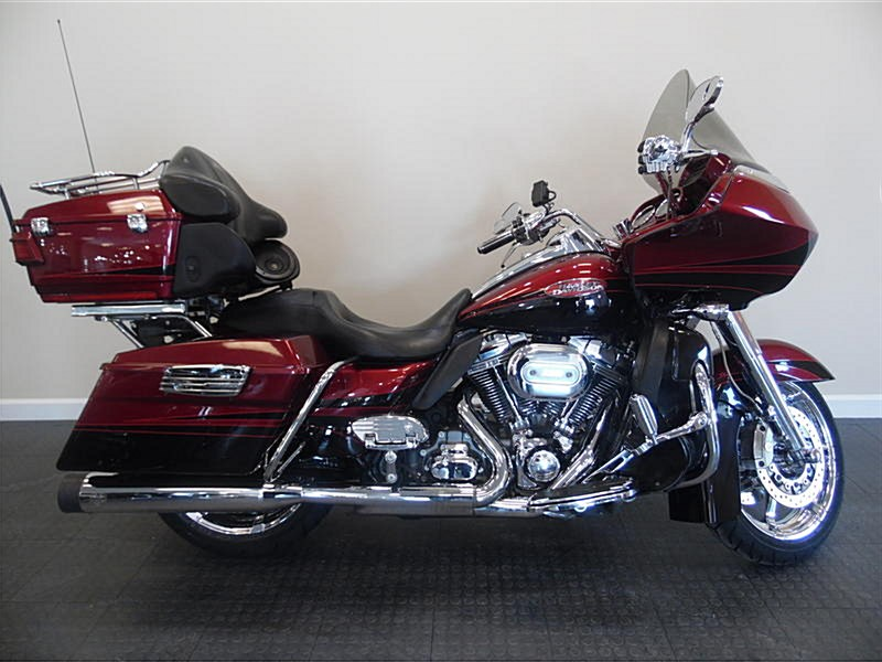 Photo of a 2011 Harley-Davidson® FLTRUSE CVO™ Road Glide® Ultra