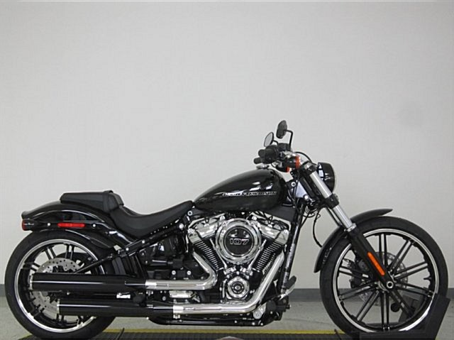 Photo of a 2018 Harley-Davidson® FXBR Softail® Breakout™