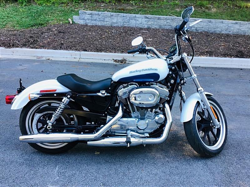 Photo of a 2015 Harley-Davidson® XL883L Sportster® SuperLow®