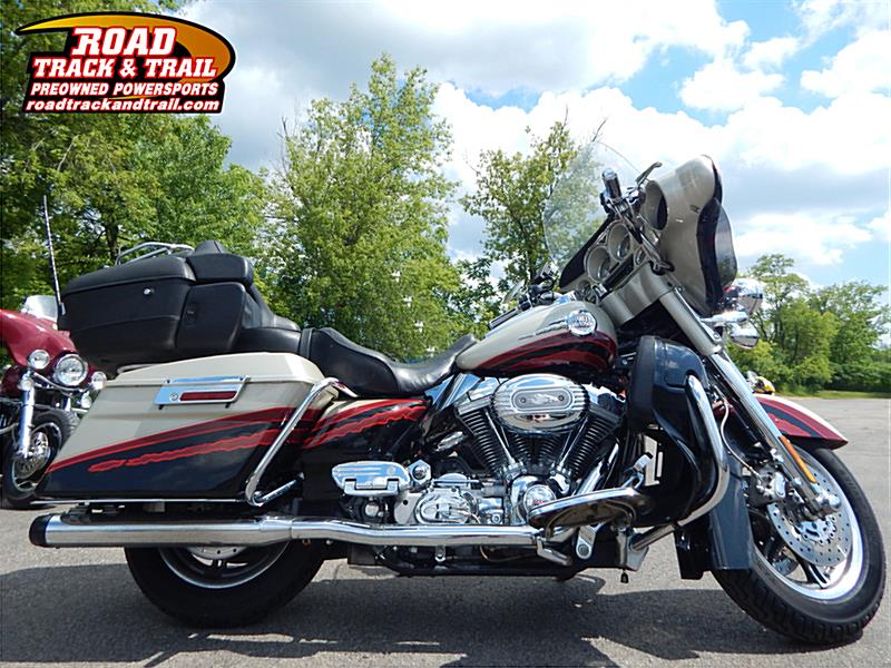 Photo of a 2006 Harley-Davidson® FLHTCUSE Screamin' Eagle® Ultra Classic® Electra Glide®