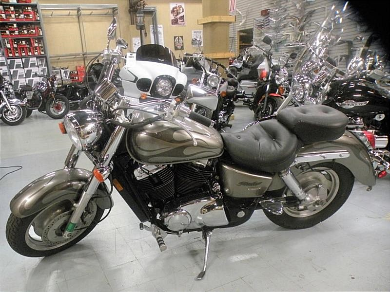 Photo of a 2006 Honda® VT1100C2 Shadow 1100 Sabre