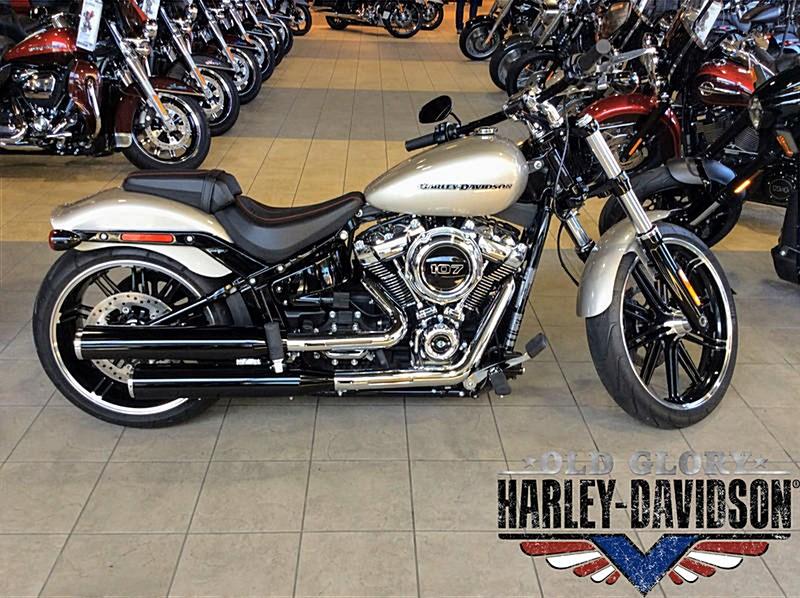 Photo of a 2018 Harley-Davidson® FXBR Softail® Breakout™