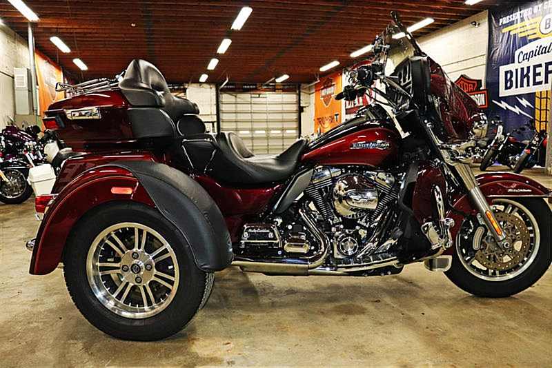 Photo of a 2016 Harley-Davidson® FLHTCUTG Tri Glide® Ultra