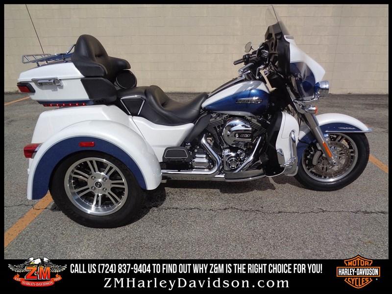 Photo of a 2015 Harley-Davidson® FLHTCUTG Tri Glide® Ultra