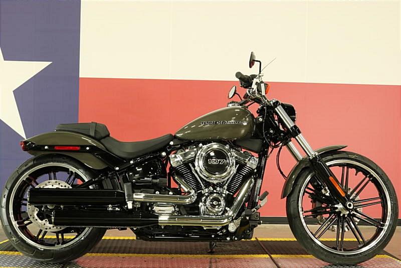 Photo of a 2019 Harley-Davidson® FXBR Softail® Breakout®