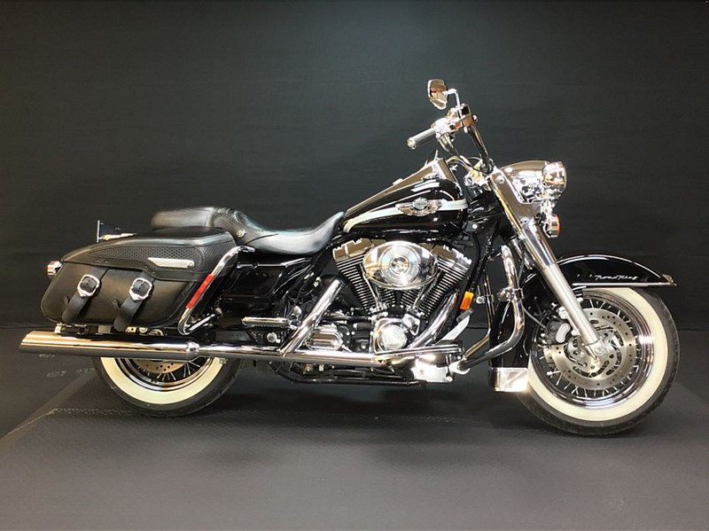 Photo of a 2003 Harley-Davidson® FLHRC/I Road King® Classic