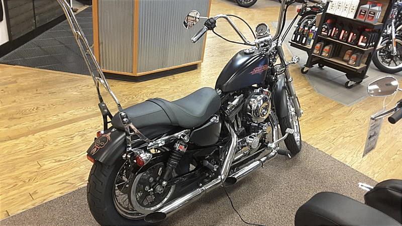 Photo of a 2014 Harley-Davidson® XL1200V Sportster® Seventy-Two®