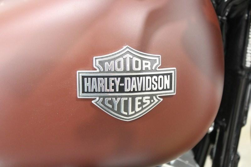 2017 Harley Davidson Fls Softail Slim Red Iron Denim