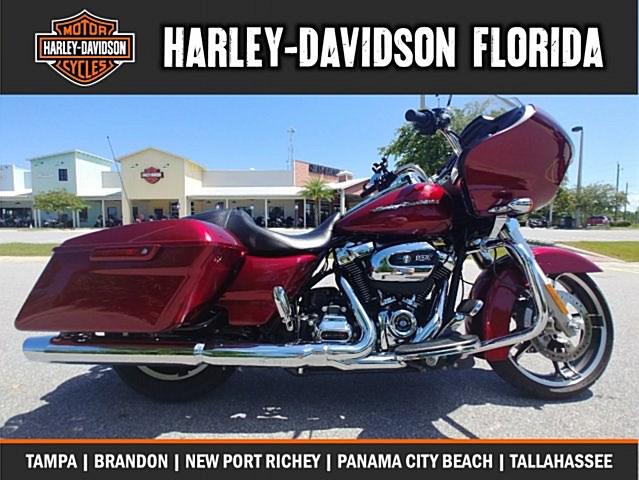 Photo of a 2017 Harley-Davidson® FLTRX Road Glide®