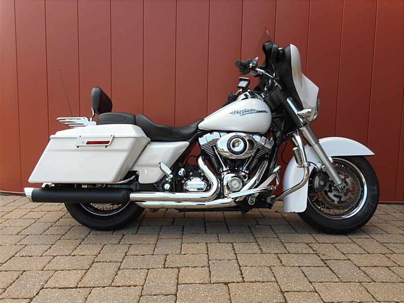 Photo of a 2008 Harley-Davidson® FLHX Street Glide®