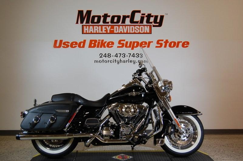 2012 Harley Davidson Flhrc Road King Classic Black W