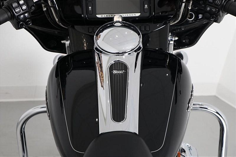 Photo of a 2015 Harley-Davidson® FLHX Street Glide®