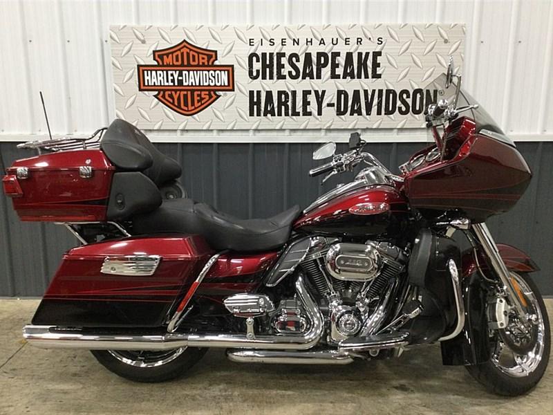 Photo of a 2011 Harley-Davidson® FLTRUSE CVO™ Road Glide® Ultra