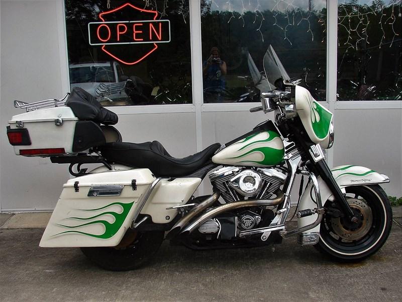 Photo of a 1994 Harley-Davidson® FLHTCU Ultra Classic® Electra Glide®