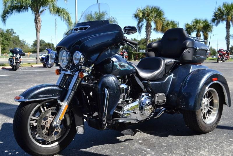 2015 2016 Harley Davidson Tri Glide Ultra: 2015 Harley-Davidson® FLHTCUTG Tri Glide® Ultra (Black