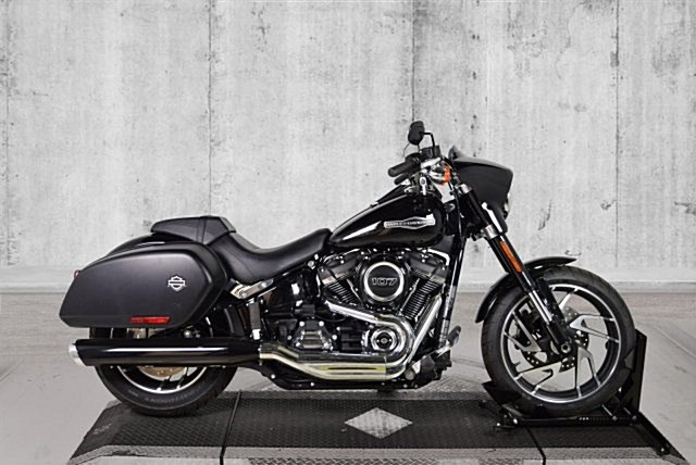 Photo of a 2018 Harley-Davidson® FLSB Softail® Sport Glide™