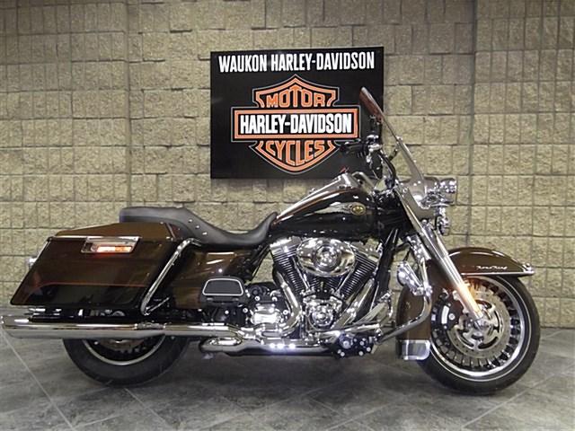 Photo of a 2013 Harley-Davidson® FLHRSE5-ANV CVO™ Road King® 110th Anniversary