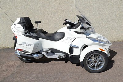Used 2012 Can-Am Spyder RT Audio and Convenience