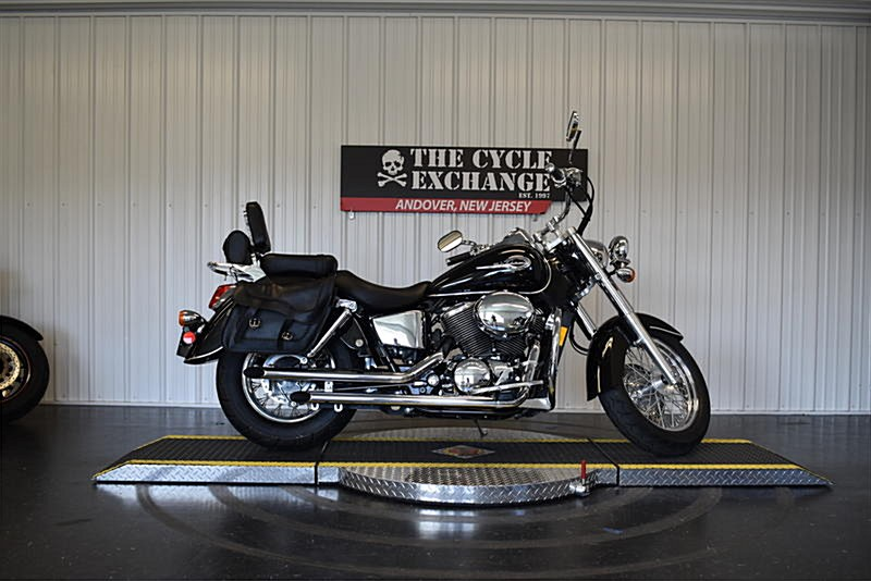 Photo of a 2002 Honda® VT750CD Shadow 750 ACE Deluxe
