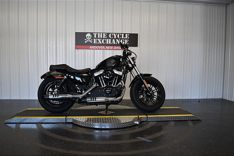 Photo of a 2018 Harley-Davidson® XL1200C Sportster® 1200 Custom