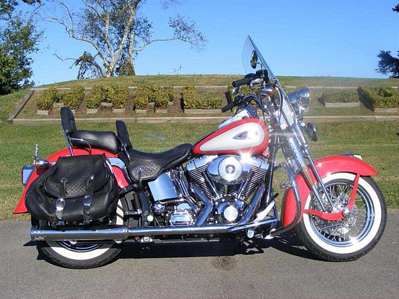 Photo of a 2002 Harley-Davidson® FLSTS/I  Heritage Springer®