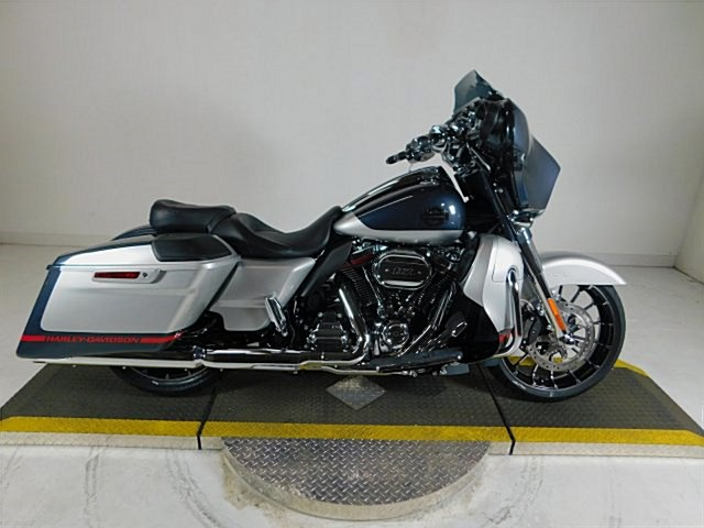 Photo of a 2019 Harley-Davidson® FLHXSE CVO™ Street Glide®