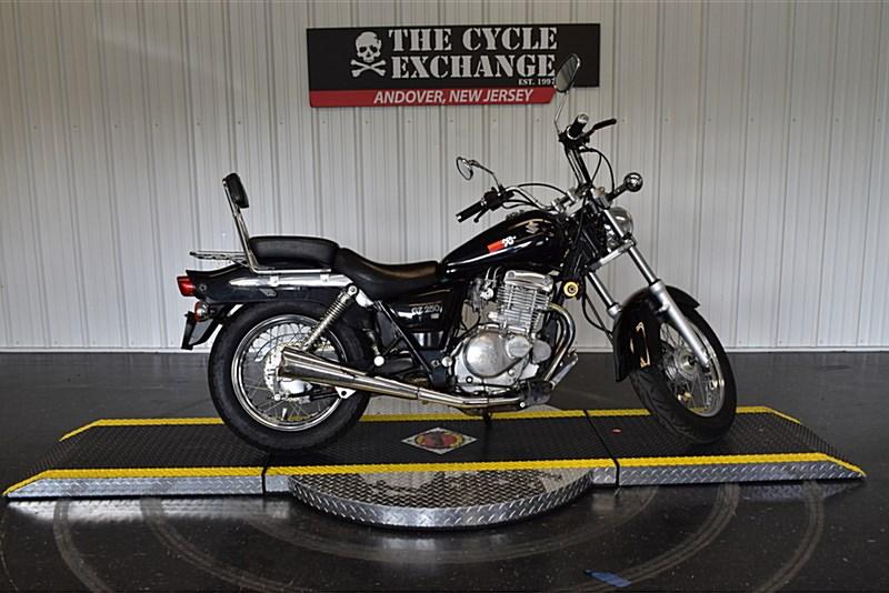Photo of a 2009 Suzuki GZ250