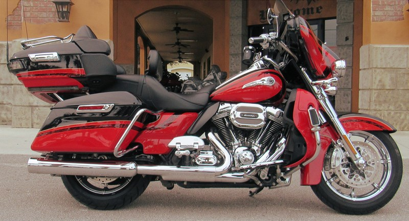 Photo of a 2016 Harley-Davidson® FLHTKSE CVO™ Limited
