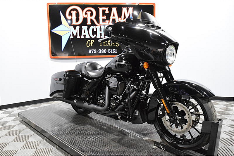 2018 Harley-Davidson® FLHXS Street Glide® Special