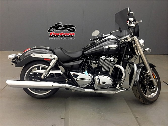 Photo of a 2014 Triumph  Thunderbird Commander ABS