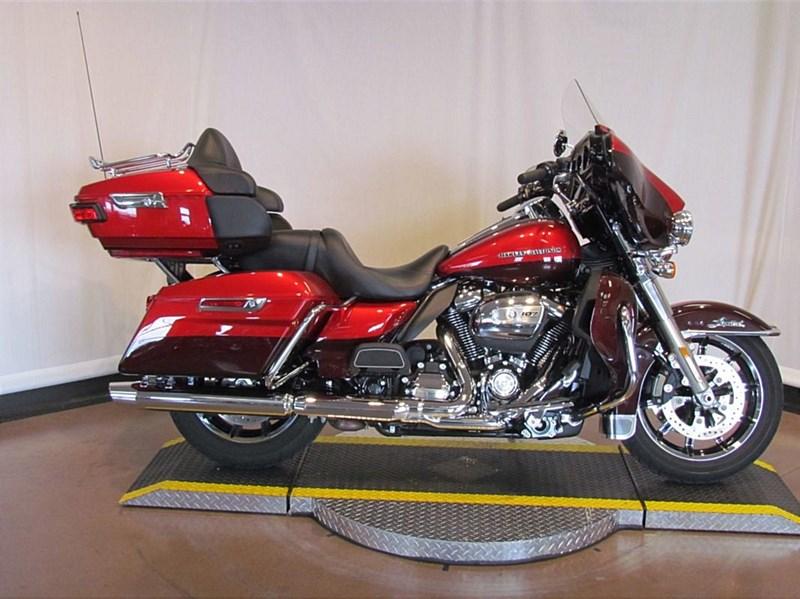 Photo of a 2018 Harley-Davidson® FLHTK Ultra® Limited