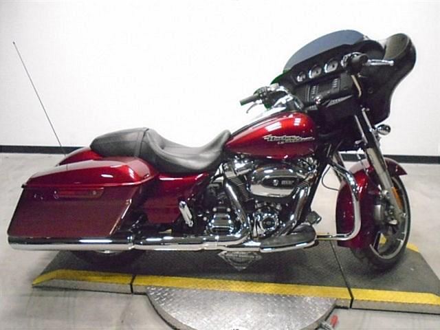 Photo of a 2017 Harley-Davidson® FLHX Street Glide®