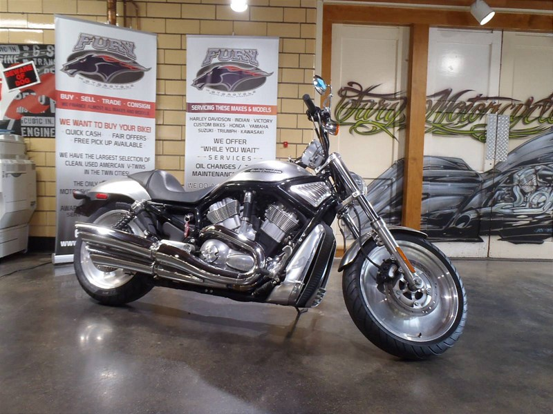 Photo of a 2004 Harley-Davidson® VRSCB V-Rod® - Black Frame