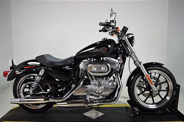 Photo of a 2019 Harley-Davidson® XL883L Sportster® SuperLow®
